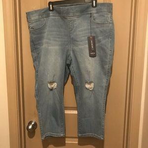Torrid Lean Cropped Jeans